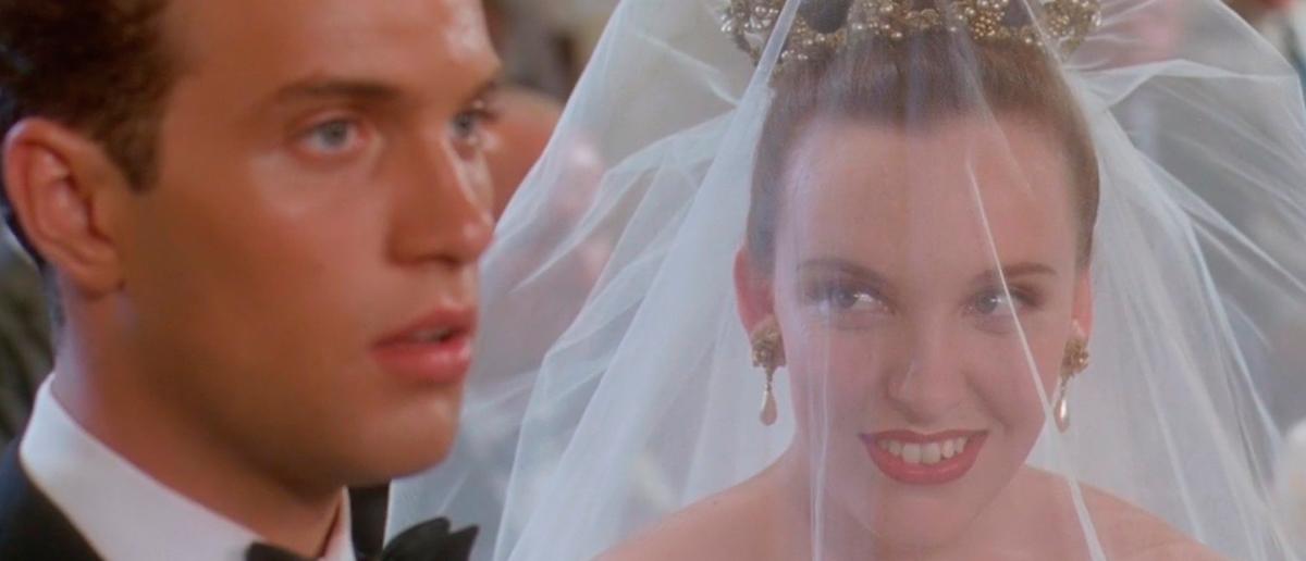Still from movie Muriel_s Wedding
