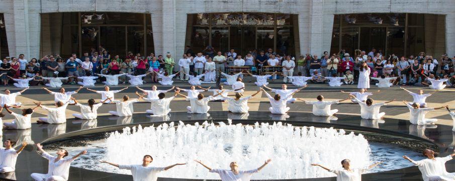 Buglisi Dance Theatre encircling the fountain on the Josie Robertson Plaza